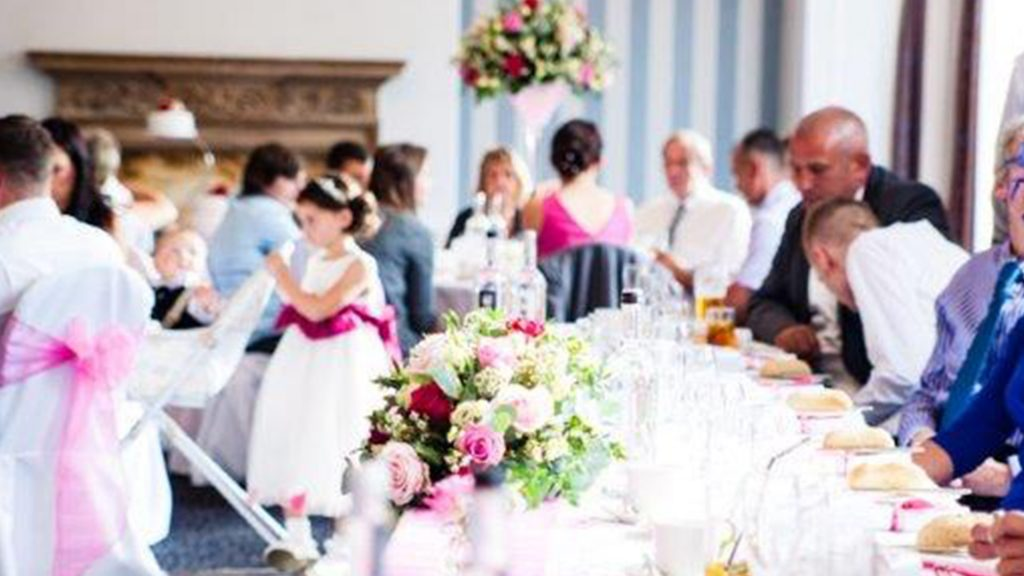 Wedding Venues in Hampshire Mercure Southampton Centre Dolphin Hotel Grand Affair 15