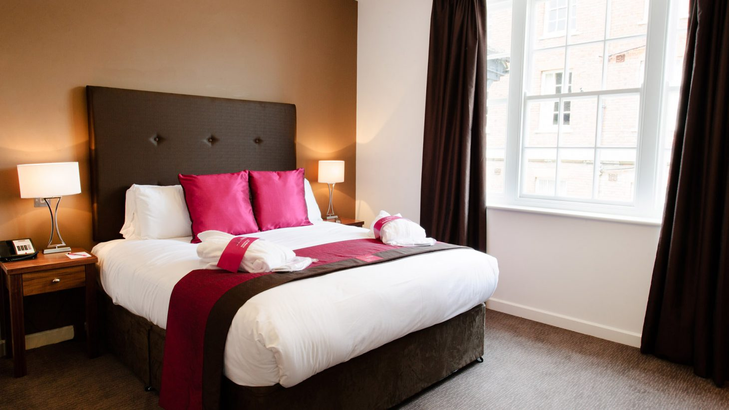 Mercure Southampton Centre Dolphin Hotel Privilege Bedrooms Arcadia bed