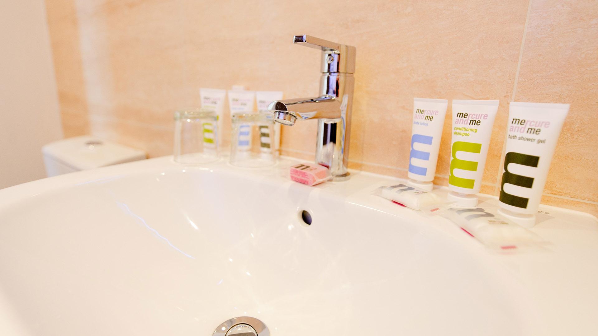 Mercure Southampton Centre Dolphin Hotel Privilege Bedrooms toiletries