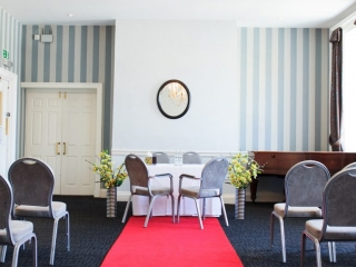Wedding Venues in Hampshire Mercure Southampton Centre Dolphin Hotel Grand Affair 18