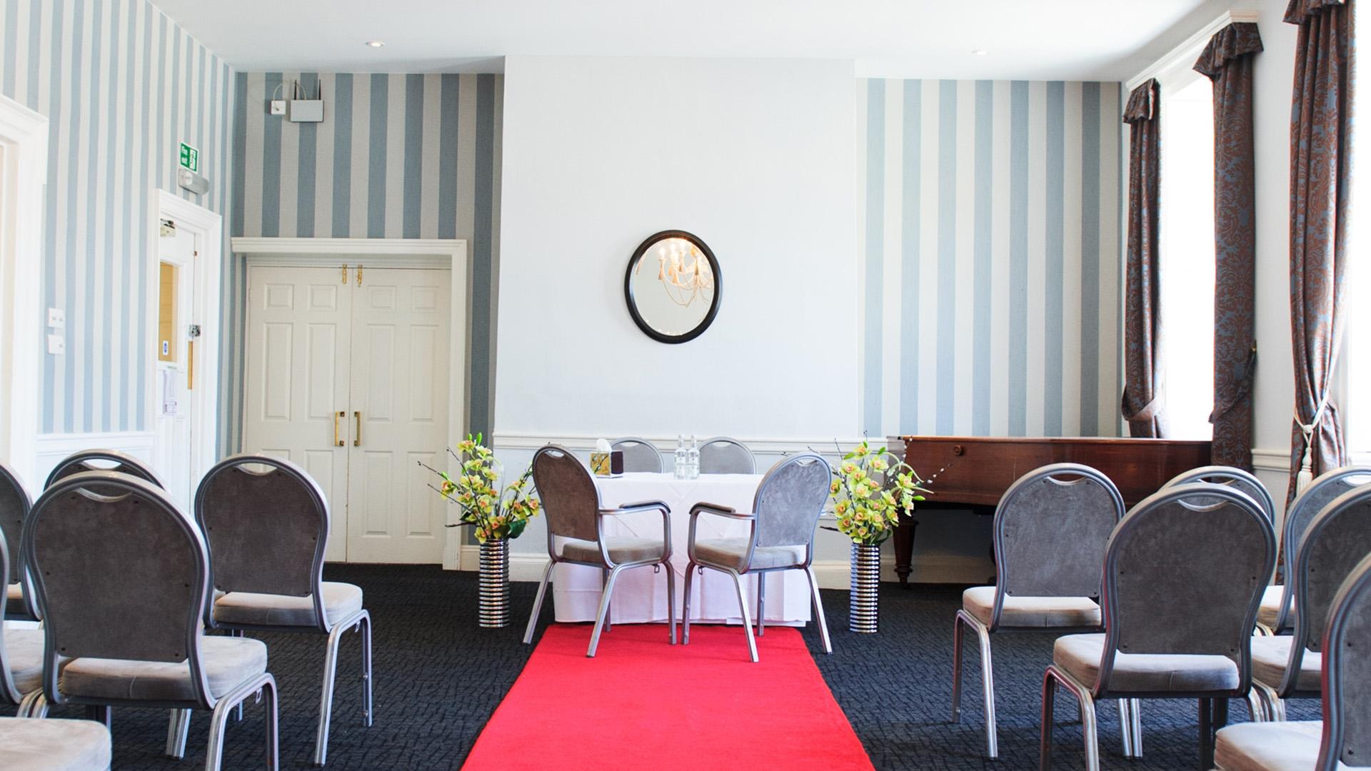 Wedding Venues in Hampshire Mercure Southampton Centre Dolphin Hotel Grand Affair 18