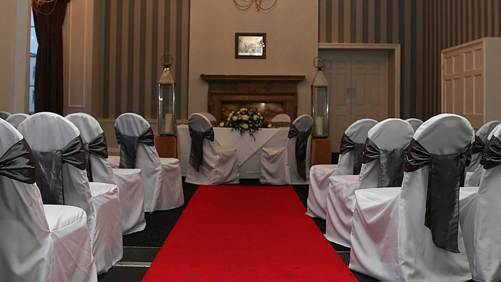 Wedding Venues in Hampshire Mercure Southampton Centre Dolphin Hotel Grand Affair 7
