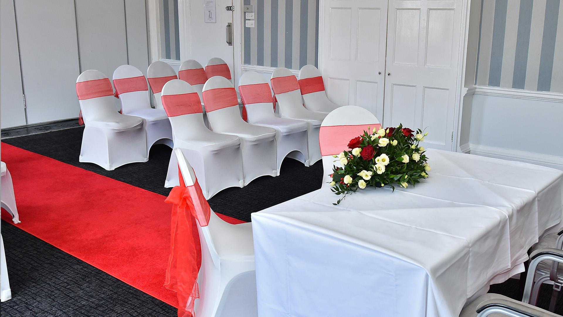 Wedding Venues in Hampshire Mercure Southampton Centre Dolphin Hotel Grand Affair 9