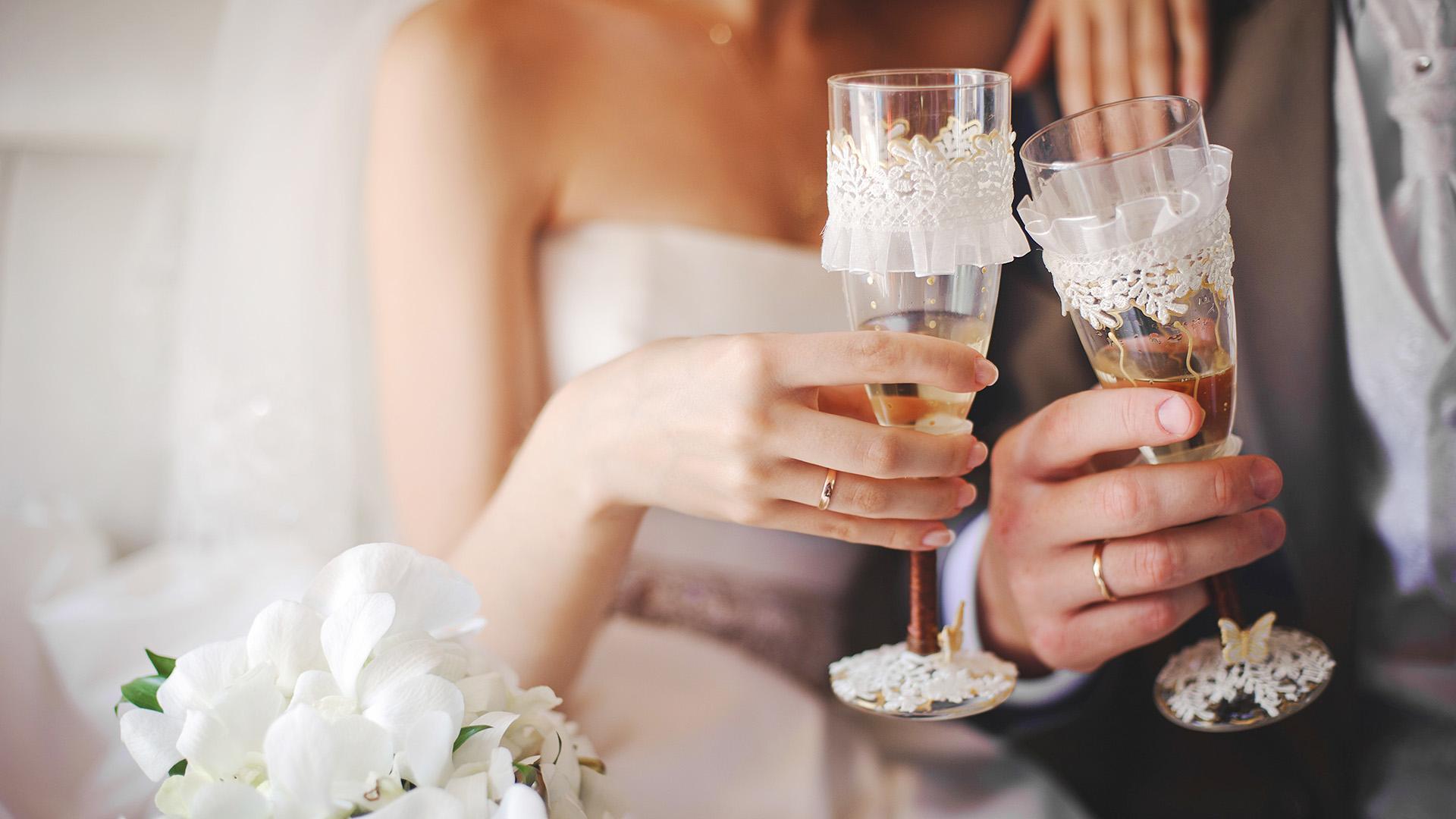 Wedding Venues in Hampshire Mercure Southampton Centre Dolphin Hotel Honeymoon Suite 1