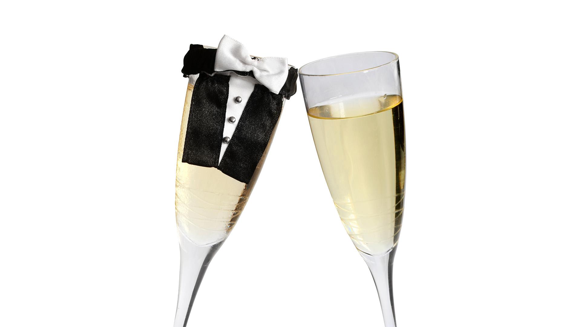 Wedding Venues in Hampshire Mercure Southampton Centre Dolphin Hotel Honeymoon Suite 2