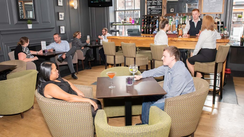 The best bars in Southampton Nelson's Bar at Mercure Southampton Centre Dolphin Hotel Southampton